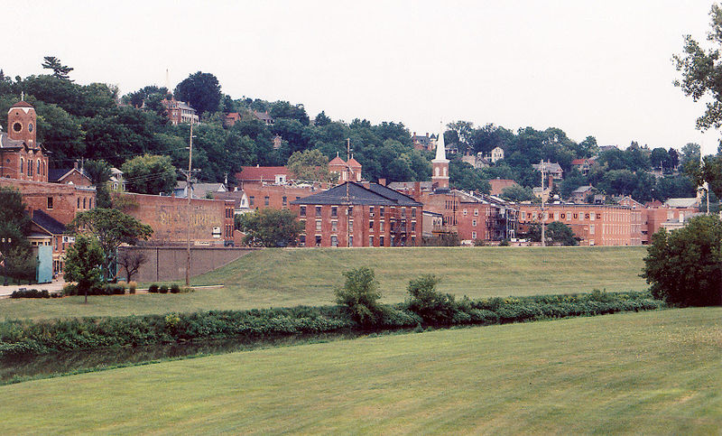File:Galena Illinois skyline.JPG