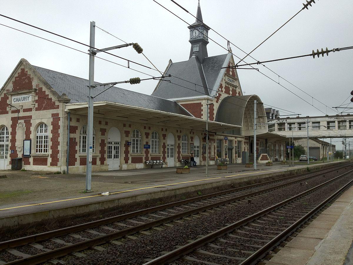 Gare de chauny wikip dia for Garage de la gare bretigny