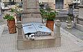 Gat i panteó, cementeri General de València.JPG