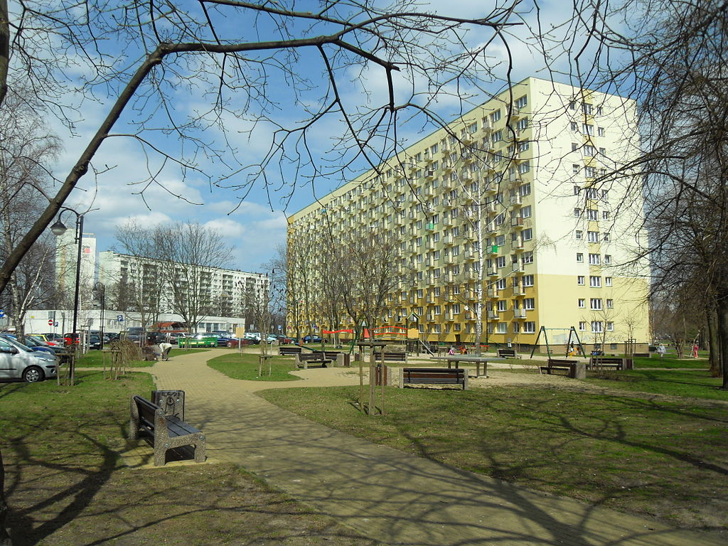1024px-Gda%C5%84sk_Ulica_Pomorska_90.JPG