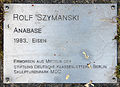 Gedenktafel Robert-Rössle-Str 10 (Buch) Anabase&Rolf Szymanski&1983.jpg