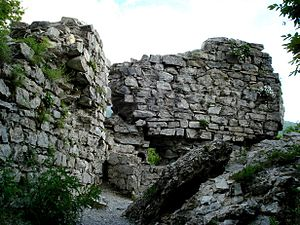 Galarsan-Gorarsan - Walls of the fortress