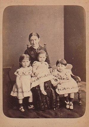 Bishop's College (Sri Lanka) - Georgiana Emily Drew (née Down, 1850-1933), with her three children Winifred Nona Radcliffe Drew, Harry Guy Radcliffe Drew, and Georgiana Daisy Radcliffe Drew. About 1882, when she was first principal of Bishopsgate School.