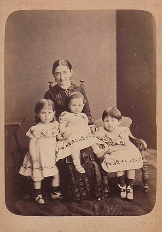 Bishop's College (Sri Lanka) - Georgiana Emily Drew (née Down, 1850-1933), with her three children Winifred Nona Radcliffe Drew, Harry Guy Radcliffe Drew, and Georgiana Daisy Radcliffe Drew. About 1882, when she was first principal of Bishopsgate School.