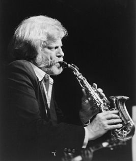 Gerry Mulligan, ca. 1980s (William P. Gottlieb 16201) (cropped).jpg