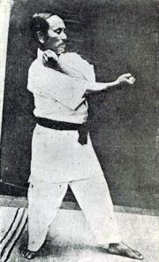 Gichin Funakoshi - Heian Nidan (2) .png