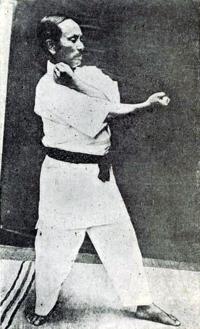 Gichin Funakoshi - Heian Nidan (2).png