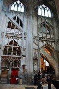 Gloucester Cathedral (Holy Trinity) (14995314847).jpg