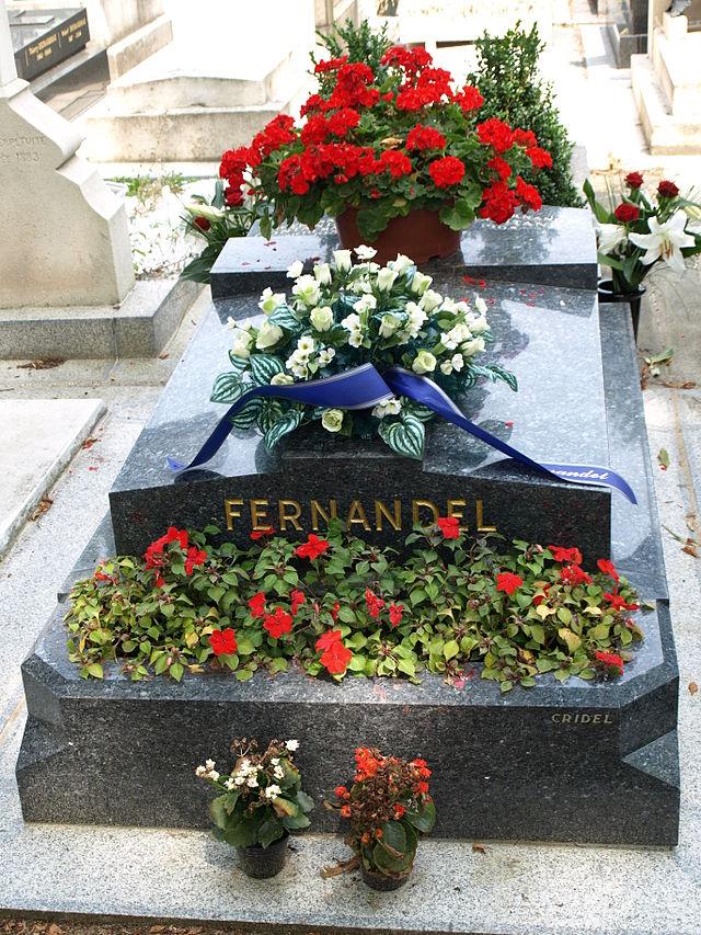 Fernandel 640px-Grave_monument_of_Fernandel
