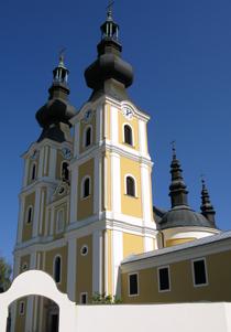 Greek Catholic pilgrimage church, St Michael Archangel in Máriapócs.PNG