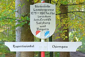 Rupertiwinkel - Historising signpost on the former Salzburg-Bavarian border