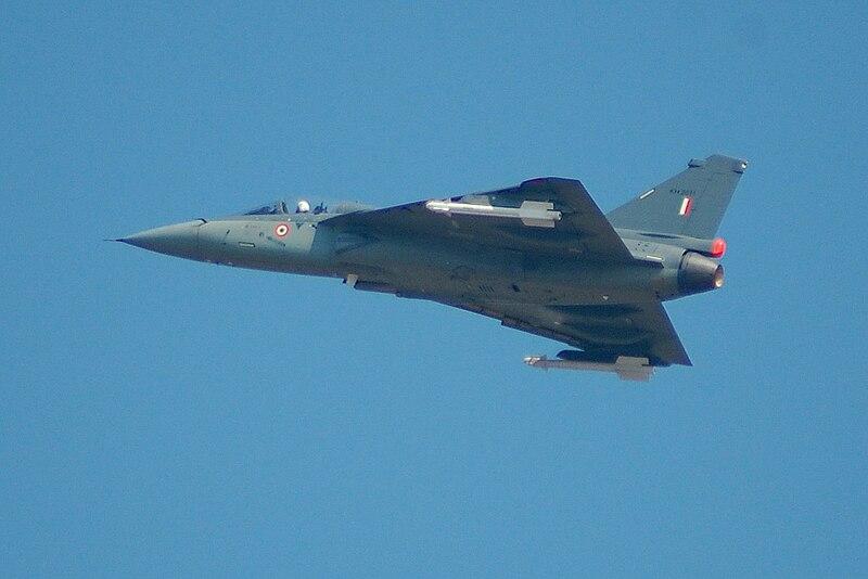 चित्र:HAL Tejas AeroIndia-2009.JPG