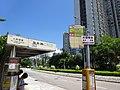 HK 屯門 Tuen Mun 震寰路 Tsun Wen Road Tai Hing Police Station KMBus 58M 28X 260X 960A 960B N260 stop signs CityBus B3A July 2016 DSC.jpg
