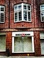 HL Damals – Ex-Kaufhaus am Klingenberg – Detail – Fassadenfenster – Ex-Schaufenster – 2019.jpg