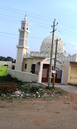 Heggadadevana kote - Mosque in Handpost junction