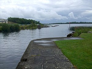 Lough Bofin (River Shannon) - Harbour in Dromod, opening onto Lough Bofin