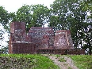 Ruine des Burgturmes nach der Sanierung
