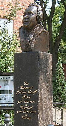 Memorial to Hasse in front of his birth house in Hamburg-Bergedorf (Source: Wikimedia)