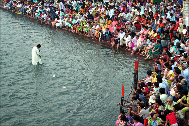 the religious significance of the ganges river to the hindus