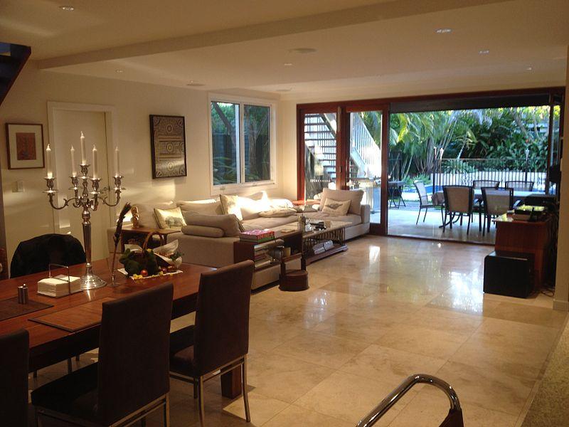 File:House interior in Brisbane 2014 08.JPG