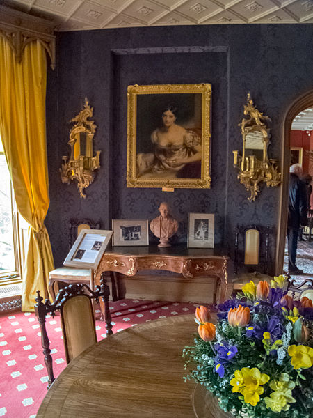 File:Hughenden Manor (7076271707).jpg