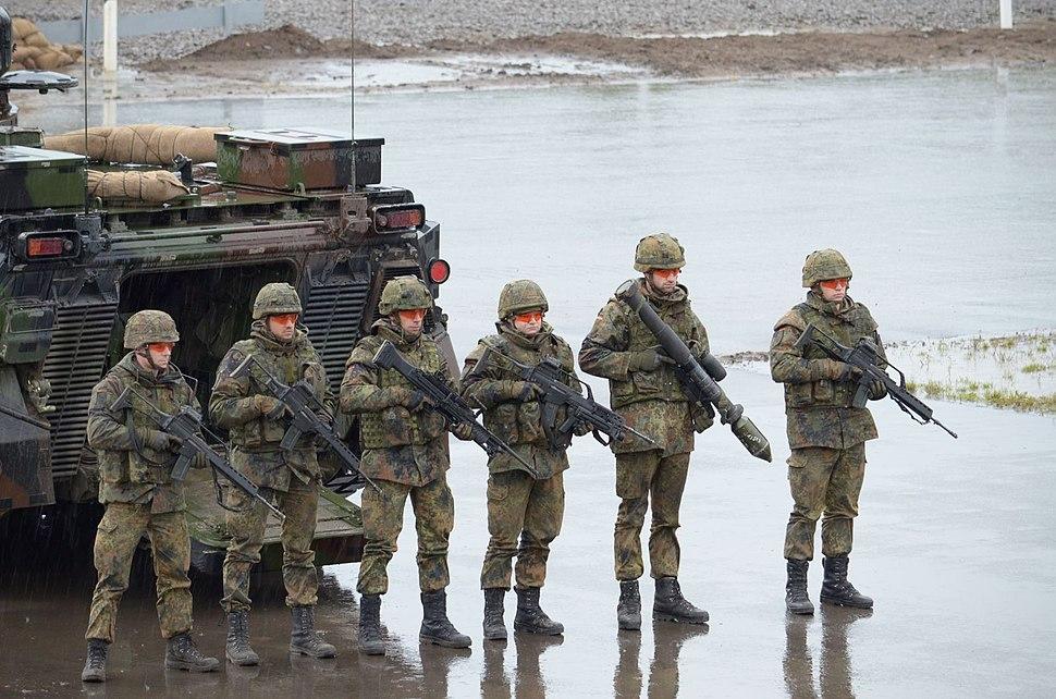 IL%C3%9C der Bundeswehr am 24.09.2012 -- Panzergr