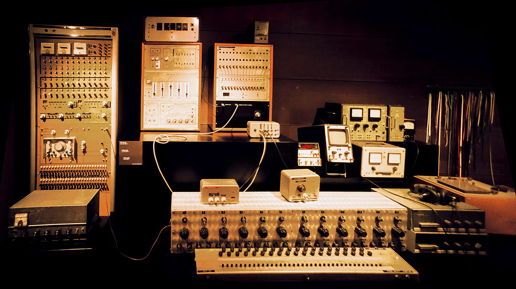 IPEM studio synthesizer (ca.1960-1980) - MIM Brussels (2015-05-30 07.36.09 by chibicode) edit.jpg