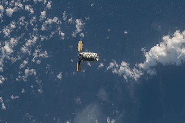 ISS-55 Cygnus OA-9E approaching the ISS (1).jpg