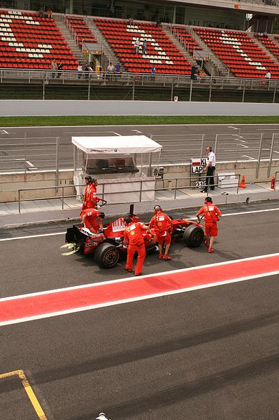 File:Image-Formula 1 Ferrari 02.jpg