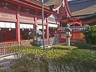 Hachiman-zukuri - Image: Isaniwa haiden