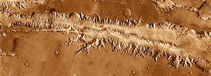Ius Chasma THEMIS mosaic.jpg