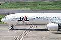 JAL B777-300(JA751J) (5064347819).jpg