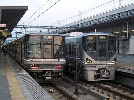 JR西日本225系電車 - Wikiwand