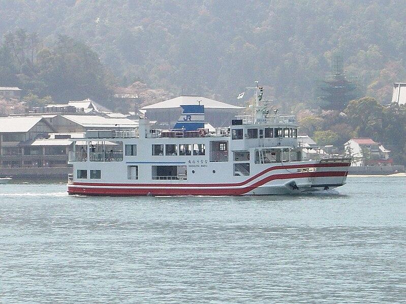799px-JR_Miyajima_Ferry_Nanaura.JPG