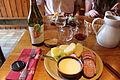 JWA02. Plat comtois avec vin Poulsard.JPG