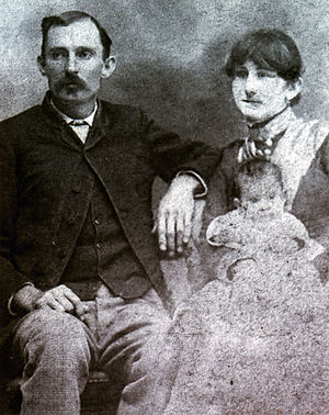Jim Miller (outlaw) - Miller and his family, c. 1890s.