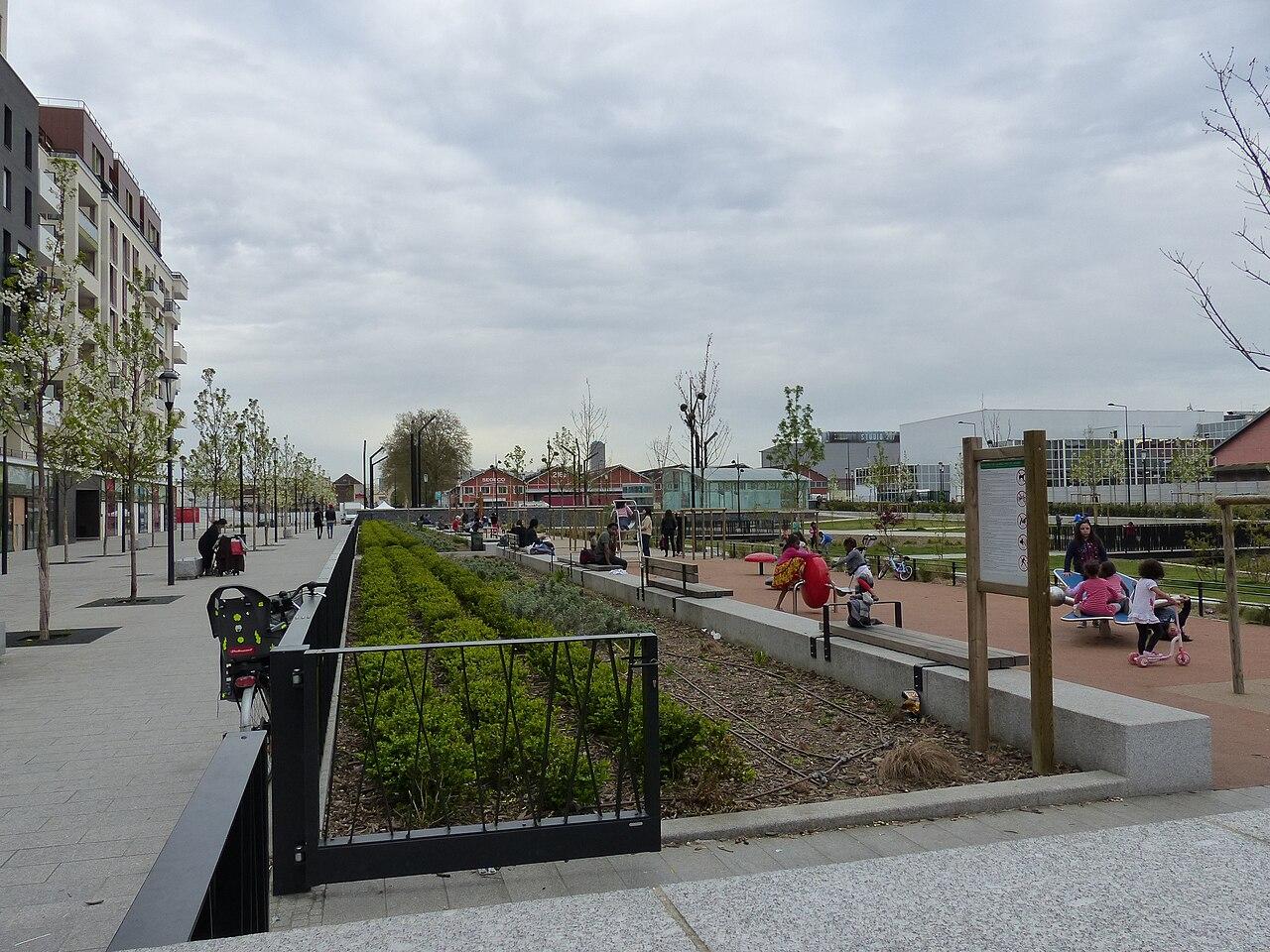 Fichier jardin public de la place du front populaire saint denis wikip dia - Deco jardin rouscht saint denis ...