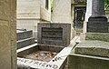 Jim Morrison Grave Sander Lamme.jpg