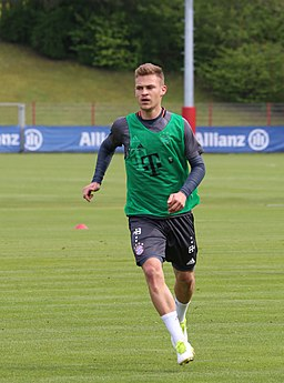 Joshua Kimmich Training 2017-05 FC Bayern Muenchen-4