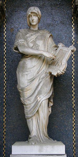 File:Kaiser-Wilhelm-Gedächtnis-Friedhof - Erbbegräbnis Warburg - Skulptur.jpg