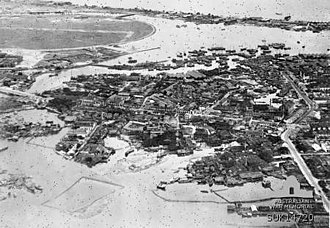 Kallang - Aerial photograph of the Kallang Airport and Kallang Basin, taken in 1945 shortly after the Japanese surrender. The Kallang Basin of this era covered a much larger area.