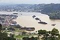 Kapal Tongkang Batubara melintas Sungai Mahakam.jpg