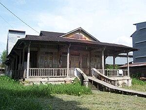 Bagansiapiapi - an abandoned old Bagansiapiapi Kapitan house