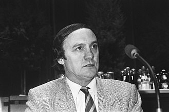 1979 European Parliament election in Belgium - Image: Karel van Miert (SP, België), Bestanddeelnr 933 5684