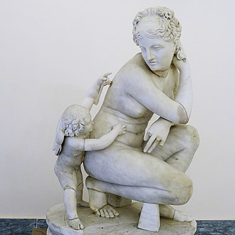 Crouching Venus - Crouching Venus and Cupid of the Farnese collection (Museo archeologico nazionale di Napoli)