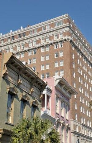 Charleston Historic District - Image: King Street in Historic Downtown Charleston