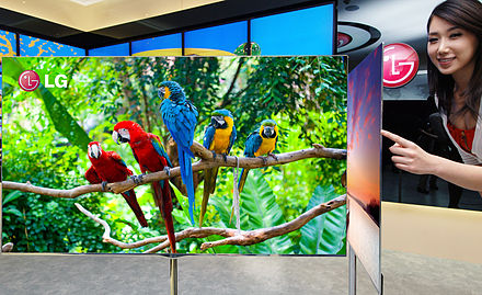 A 3D OLED TV made by Korean LG Display, the world's largest LCD and OLED maker LGjeonja, ggambbagim eobsneun 55inci 3D OLED TV gonggae(2).jpg