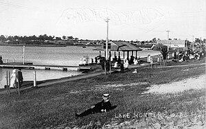 Lake Monger - Lake Monger jetty promenade and pavilion ''ca''. 1914