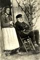 Le Père Hivert et Mme Lefrançois.png