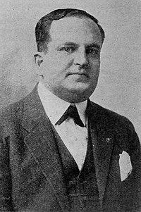 Leon Schlesinger portrait ca. 1917.jpg